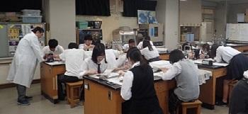 東大和南高校でアウトリーチを実施しました。